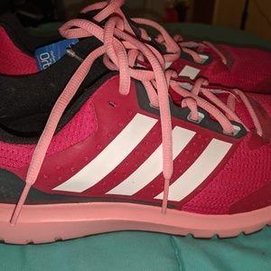 NWT Woman's Adidas Duramo 7